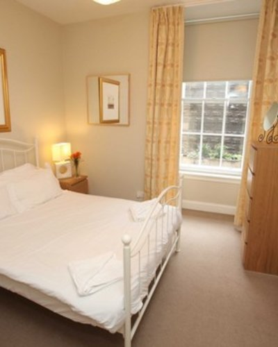 Picture of Niddry Street South 1, Old Town, 130 metres from Royal Mile, Lothian, Scotland - double bedroom