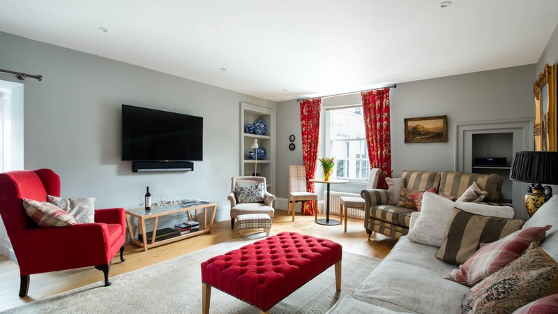 Edinburgh Vacation rental - Georgian 2 bedroom apartment located in the Newtown. (© innnerCityLets.com)
