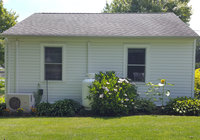 Waterfront Vacation Rental Cottage 5-004