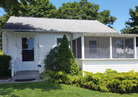Waterfront Vacation Rental Cottage 5-001