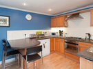 Hart Street Apartment-15 - Family kitchen with breakfast bar in Edinburgh holiday let