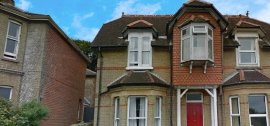 Wight Holiday Lettings - Front