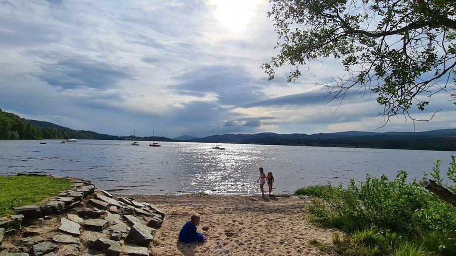 Loch Insh - The children enjoying a day at the beach