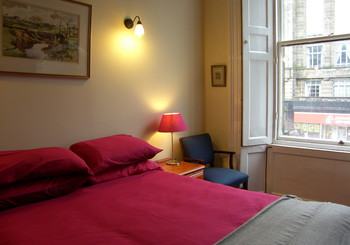 3 bed flat for up to 6 - Double room