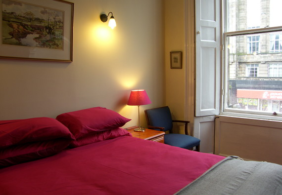 Photo of lothian road 3 bedroom apartment 2